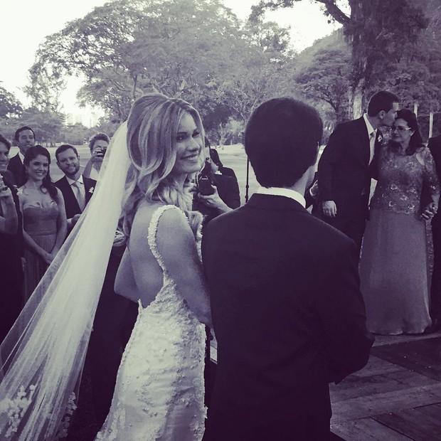 Karen Junqueira rumo ao altar (Foto: Instagram / Reprodução)