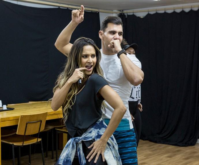 Os atores arrasam na dança (Foto: Ellen Soares /Gshow)
