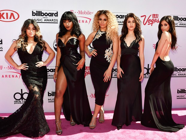 Ally Brooke, Normani Hamilton, Dinah-Jane Hansen, Lauren Jauregui and Camila Cabello do Fifth Harmony no Billboard Music Awards (Foto: AFP)