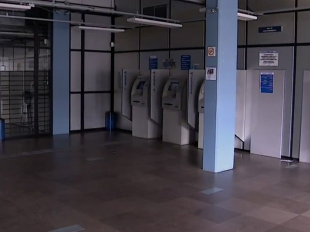Agências bancárias devem ficar fechadas nesta terça (Foto: RBSTV/Reprodução)