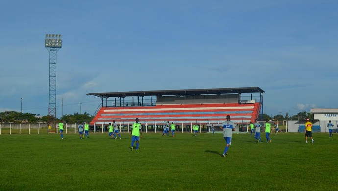 Vilhena futebol treino RO (Foto: Lauane Sena)