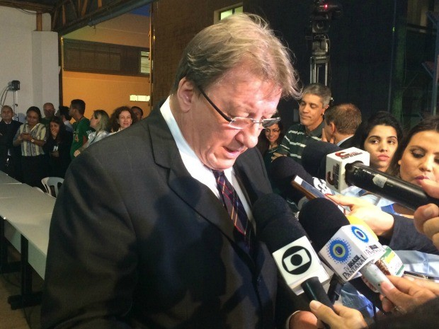 Presidente do TRE/MS anuncia resultado das eleições (Foto: Maria Caroline Palieraqui/G1 MS)
