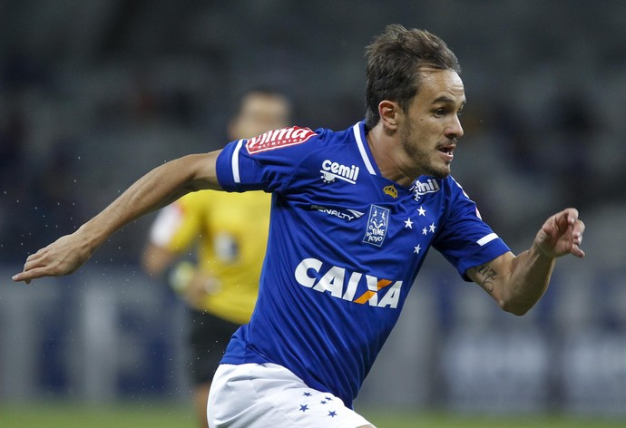 Lucas; Cruzeiro (Foto: Washington Alves/Light Press)