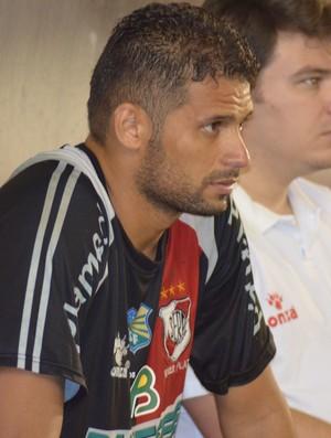 Bebeto Oliveira está fora do jogo contra o Socorrense (Foto: Thiago Barbosa/GLOBOESPORTE.COM)