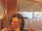 Anitta mete 'pé na jaca' e come muito após maratona no Carnaval: 'Exagero'