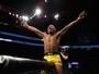 Viradas espetaculares rendem bônus para Marajó e Elkins no UFC 209