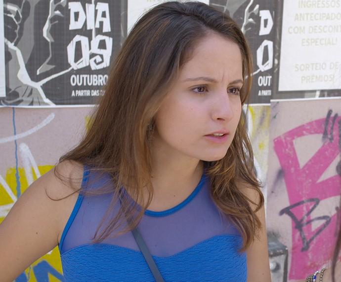 Nanda fica bolada com pergunta de Lívia (Foto: TV Globo)
