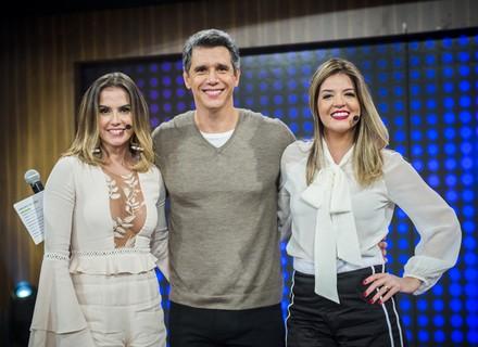 Deborah Secco e Mariana Santos arrasam no look para brilhar na TV