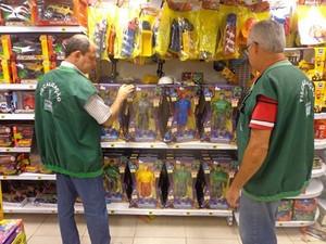 Fiscais realizaram pesquisa para as compras e Natal (Foto: Divulgação/Prefeitura de Campos)