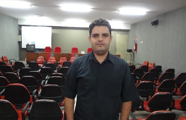 Profº Weslei Garcia é escolhido pelo PSOL para disputar o governo de Goiânia, Goiás (Foto: Sílvio Túlio/G1)