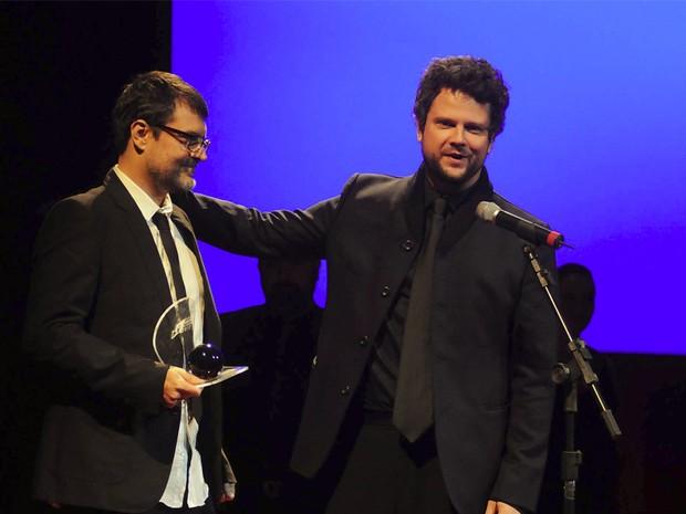 Marcello Vindicato e Selton Mello, vencedores do prêmio de 'Melhor roteiro original' por 'O palhaço' (Foto: G1/Alexandre Durão)