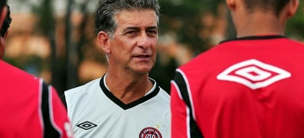 0e5fae684695c Ricardo Drubscky diz que deixa um  futebol vistoso  no Atlético-PR ...