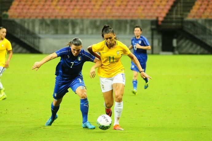Arena da Amazônia Brasil e Itália futebol feminino (Foto: Mauro Neto/Sejel)