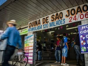 Quina comemorativa de São João tem prêmio de R$ 120 milhões (Foto: Igor do Vale/Estadão Conteúdo)