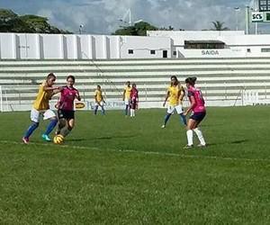 Vitória-PE feminino 2015 copa br (Foto: Divulgação / Vitória-PE)