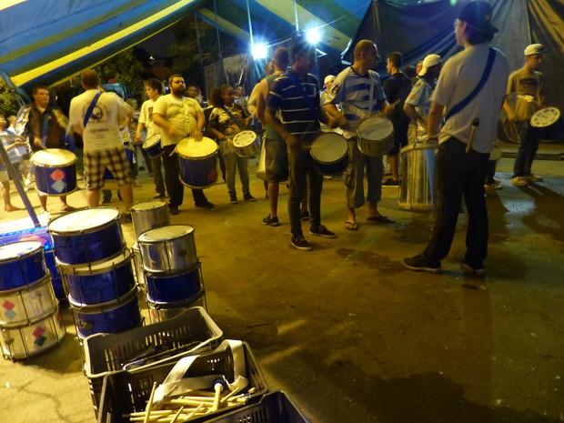 Bateria da Mocidade Azul vai à avenida com 90 integrantes (Foto: Fernando Castro/ G1)