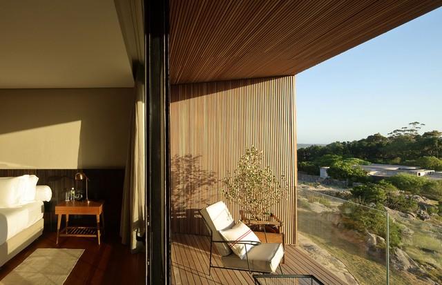 Todos os 10 quartos têm varanda com vista para a estância e o pôr do sol (Foto: Divulgação)