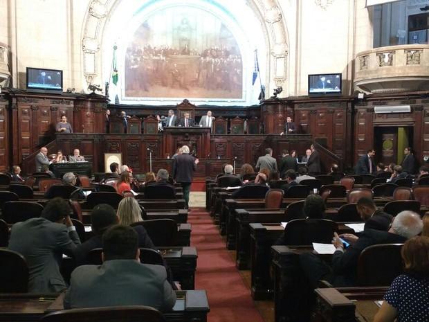 Deputados debatem pacote do RJ contra a crise (Foto: Leonardo Cardoso)