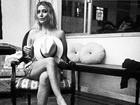 Luiza Possi posa sexy e levanta suspeita sobre topless em clique