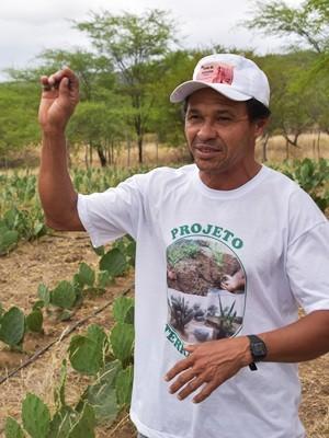 Luís José Neto, presidente da Associação dos Agricultores familiares do Sítio Trangola (Foto: Anderson Barbosa e Fred Carvalho/G1)