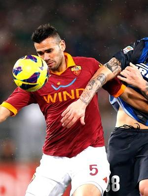 Leandro Castan na partida do Roma contra o Inter de Milão (Foto: Reuters)