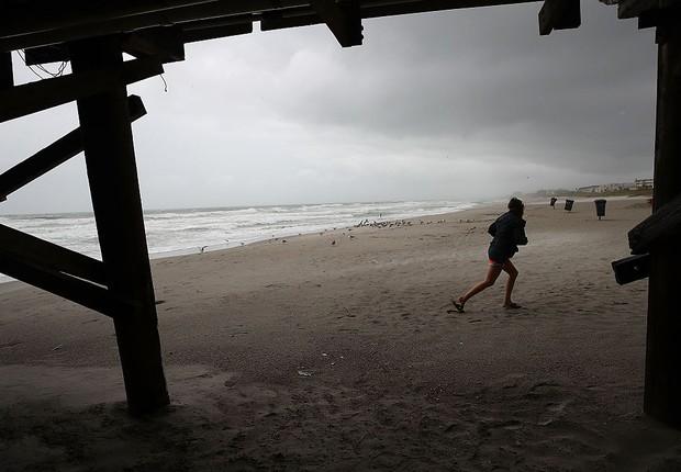 Furacão Matthew se aproxima da Flórida (Foto:  Mark Wilson / Getty Images)