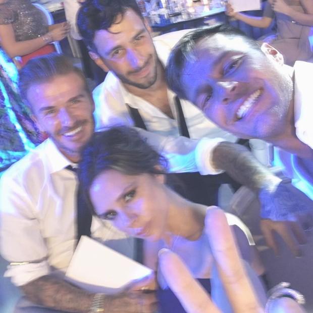 Jwan Yosef, David e Victoria Beckham e Ricky Martin no casamento de Eva Longoria (Foto: Reprodução / Instagram)