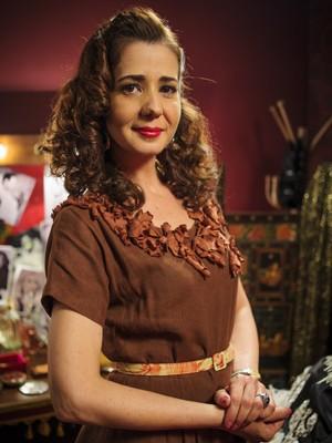 Cristianer caracterizada como Zefinha em 'Joia Rara' (Foto: Divulgação/TV Globo)