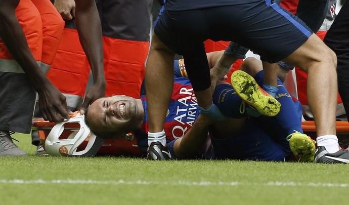 Iniesta lesão Barcelona Valencia (Foto: EFE)