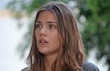 Alina foge do hostel após acharem Uodson preso