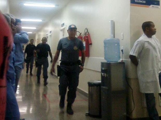 Policiais Militares foram acionados para o local (Foto: Denilson Taylor / Portal Coroatá On-line)