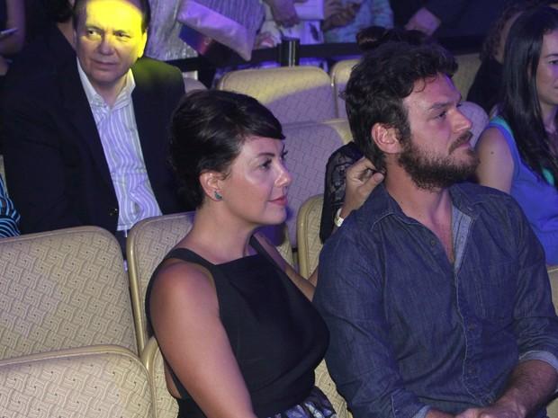 Fabíula Nascimento e Emilio Dantas em prêmio de teatro na Zona Sul do Rio (Foto: Thyago Andrade/ Brazil News)