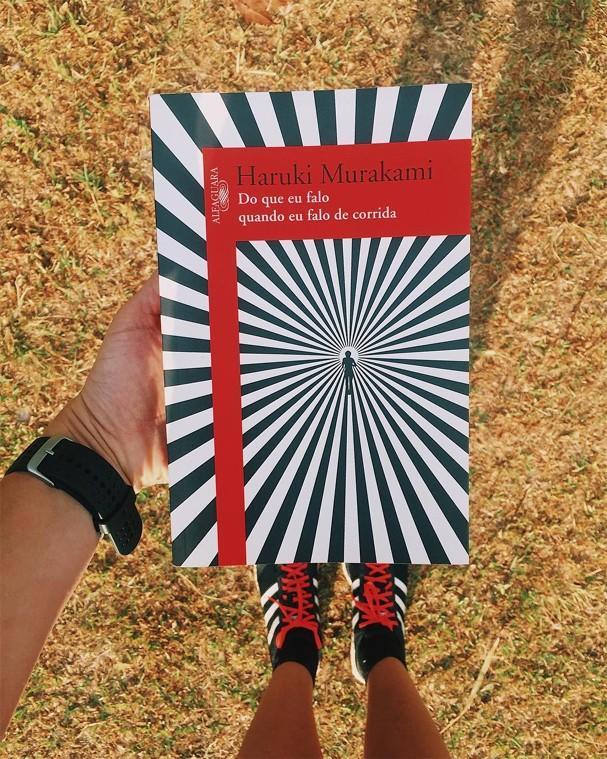 Dica de leitura de Larissa Gargaro, editora digital da Glamour Brasil (Foto: Instagram/Reprodução)