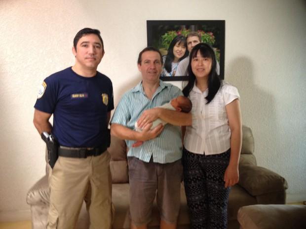 PRF ajuda a salvar recém-nascido que se engasgou com leite no Paraná  (Foto: Dulcineia Novaes / RPC)