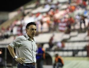 Técnico do Brasiliense, Roberto Fonseca trabalhou no CRB no ano passado (Foto: Ailton Cruz/Gazeta de Alagoas)