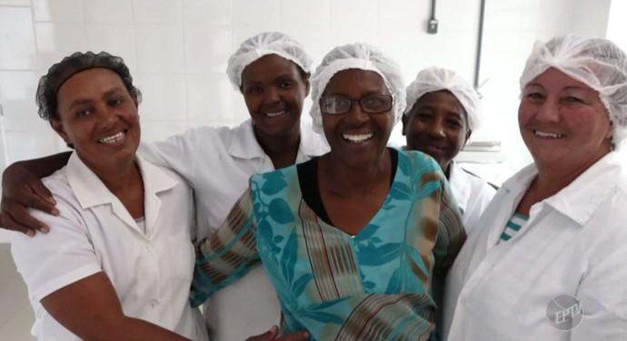 Ileide e suas companheiras que fazem parte da AMA (Foto: reprodução EPTV)