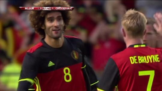 Sem Hazard, Fellaini marca e Bélgica vence a República Tcheca