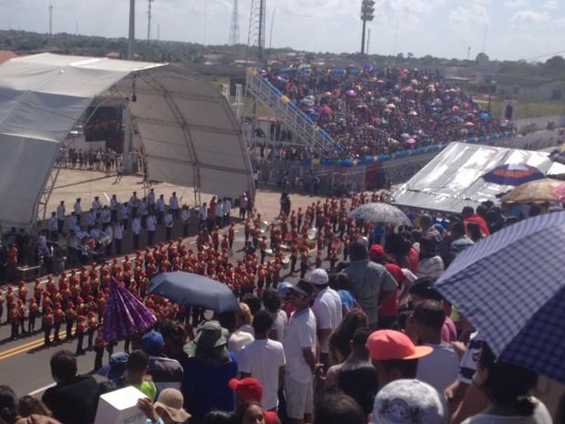 Arquibancadas do Sambódromo ficaram lotadas (Foto: Jéssica Alves/G1)