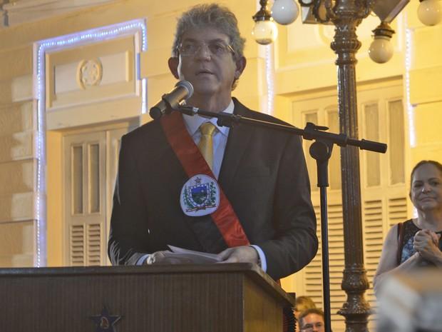 Reconduzido ao cargo de governador da Paraíba, Ricardo Coutinho discursou na frente do Palácio da Redenção, sede oficial do governo do estado (Foto: Frederico Martins/G1)
