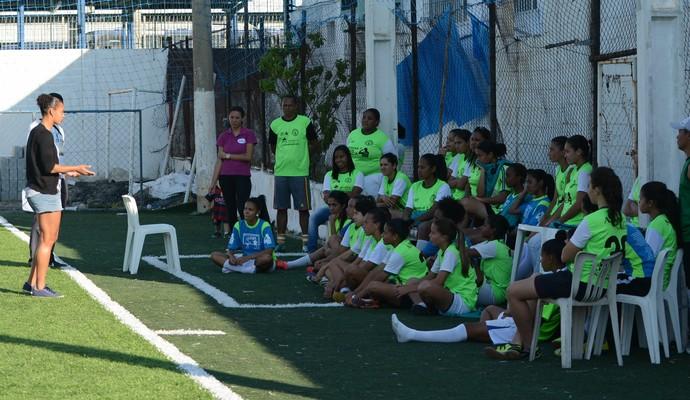 Visita Rosana Associação Nova Esperança Mogi das Cruzes (Foto: Cairo Oliveira)