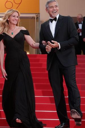 """Roberts e George Clooney vão a Cannes para a exibição de """"Money Monster"""" (Foto: Thibault Camus/AP)"""