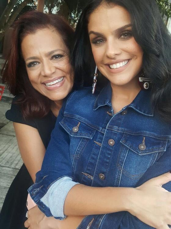 Paloma e a mãe, Dil Bernardi, posam juntas para uma campanha pela primeira vez (Foto: Divulgação)