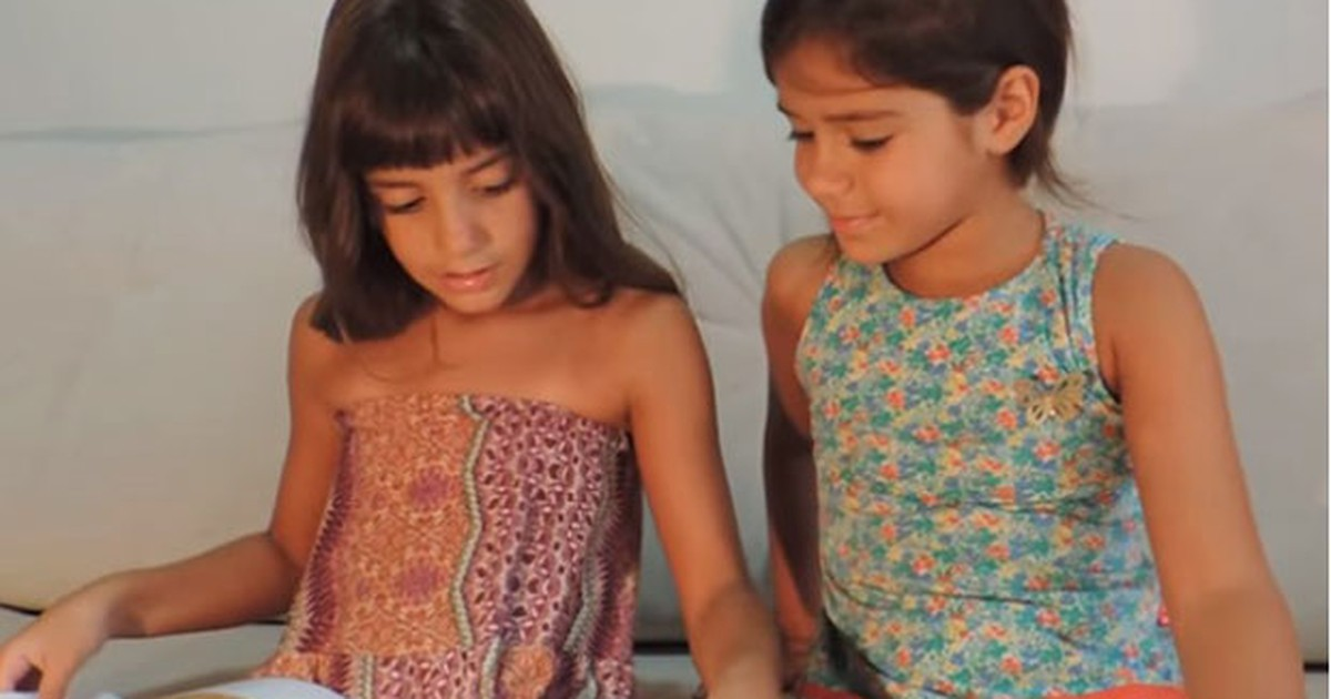 Gêmeas de 7 anos criam canal de vídeos sobre literatura infantil