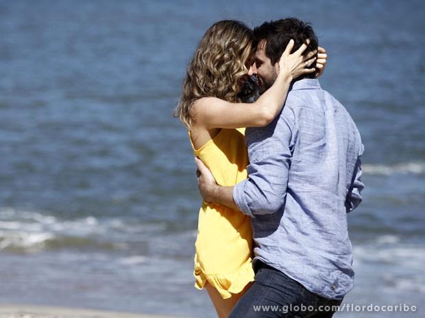 Quais serão as próximas emoções da dupla? (Foto: Flor do Caribe/TV Globo)