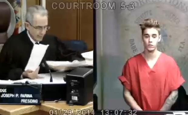 Justin Bieber comparece diante de juiz após ser preso por dirigir bêbado (Foto: Reprodução /TMZ)