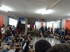 Estudantes da Unicap transferem ocupação da reitoria para outro prédio