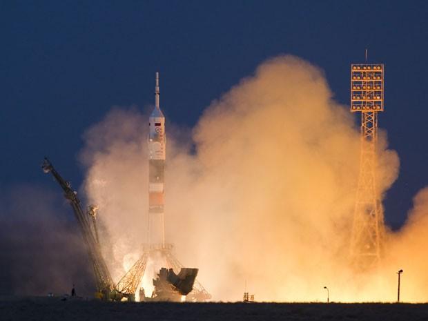 Foguete Soyuz decolou da base de Baikonur, no Cazaquistão (Foto: Reuters/Shamil Zhumatov)
