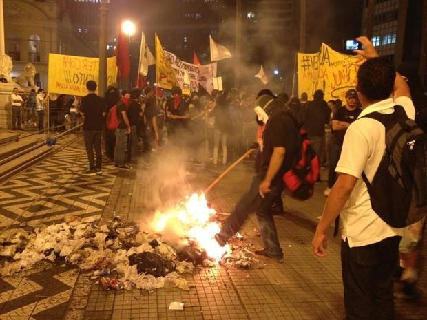 Manifestação em Porto Alegre (Foto: Felipe Truda/G1)