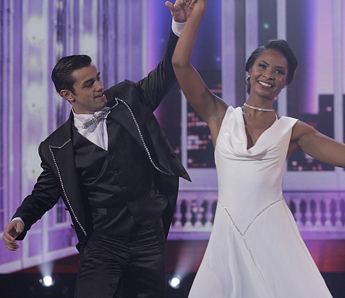 Felipe Simas encanta a plateia durante apresentação (Foto: Inácio Moraes/ Gshow)