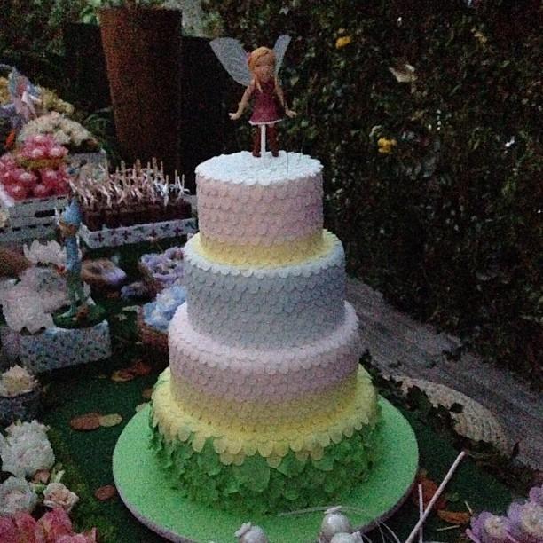 Bolo do aniversário de Eva (Foto: Instagram / Reprodução)